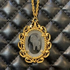 🆕Vintage Gold Zodiac Aries Glass Cameo Necklace